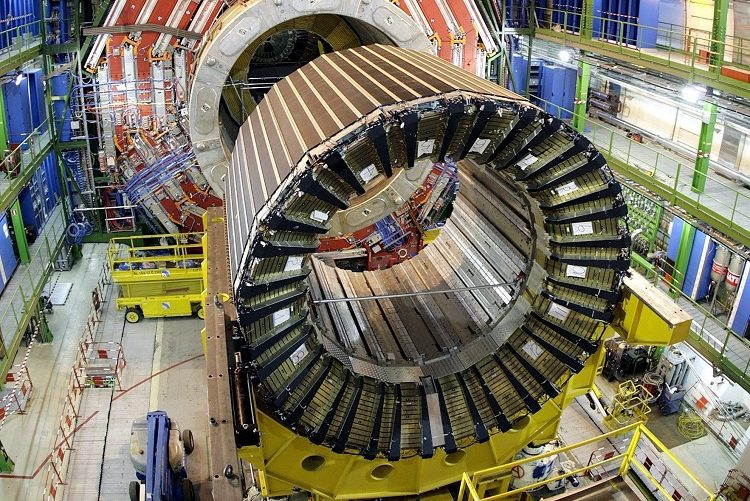 epa03294641 (FILE) A file photo dated 22 March 2007 showing showing the magnet core of the world's largest superconducting solenoid magnet (CMS, Compact Muon Solenoid), one of the experiments preparing to take data at European Organization for Nuclear Research (CERN)'s Large Hadron Collider (LHC) particle accelerator, in Geneva, Switzerland, 22 March 2007. Scientists have discovered a new type of particle consistent with the long-sought Higgs boson, which would explain why there is mass in the universe, the CERN laboratory announced in Geneva. However, the experiment's spokesperson Joe Icandela stressed that the results were preliminary. 'The implications are very significant and it is precisely for this reason that we must be extremely diligent in all of our studies and cross-checks.' British scientist Peter Higgs and others developed a theory explaining why matter exists, by introducing the Higgs boson as a key part of the mechanism that allows particles to gain mass. EPA/MARTIAL TREZZINI *** Local Caption *** 90023062