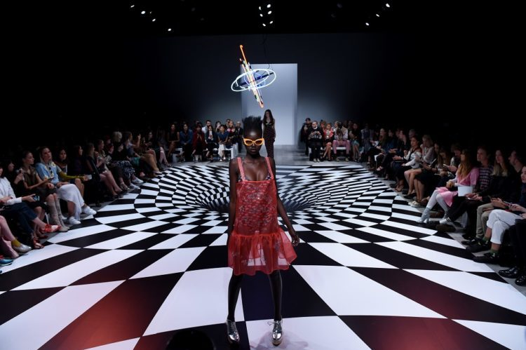 A model walks the runway during the Emma Mulholland show, during Mercedes-Benz Fashion Week Australia in Sydney, Wednesday, 18 May, 2016. (AAP Image/Tracey Nearmy) NO ARCHIVING, EDITORIAL USE ONLY